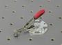 11 Senkrechrspanner mit runder Adapterplatte offen und Klemmbolzen mit Scheibe